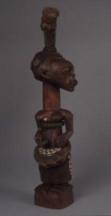 Bildet kan inneholde: skulptur, statue, kunst, utskjæring.